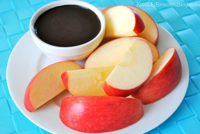 Apples & Healthy Chocolate Sauce