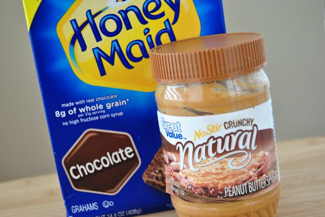 Graham Crackers & Peanut Butter