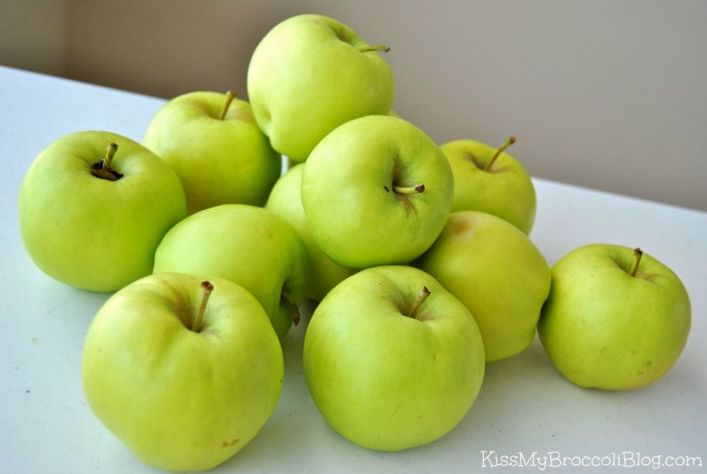 Farmers' Market Mutsu Apples