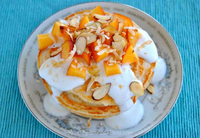 Juicy Peaches & Cream Protein Pancakes - www.kissmybroccoliblog.com