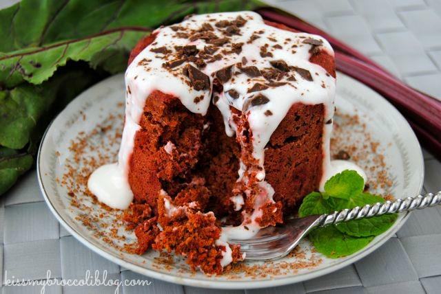 Red Velvet Mugcake topped with Cream Cheese Greek Yogurt Sauce! Get the recipe now from @kissmybroccoli at www.kissmybroccoliblog.com