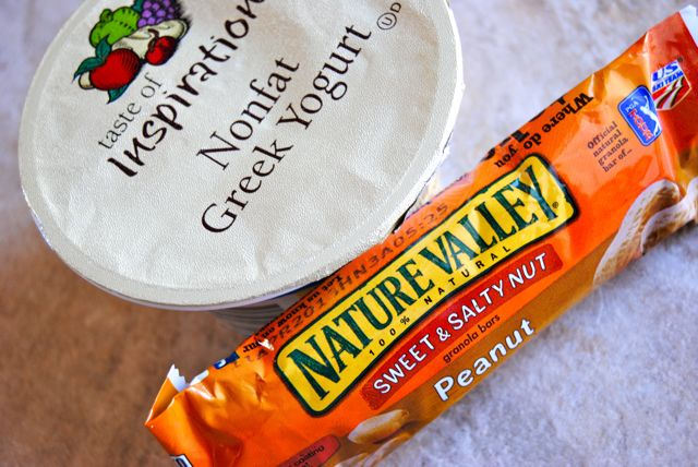 Greek Yogurt & Peanut Bar