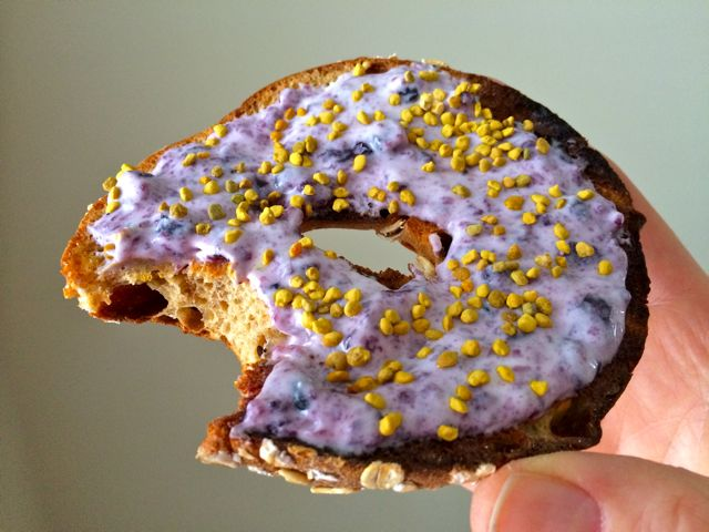 P28 Bagel with Blueberry Jam Quark & Bee Pollen