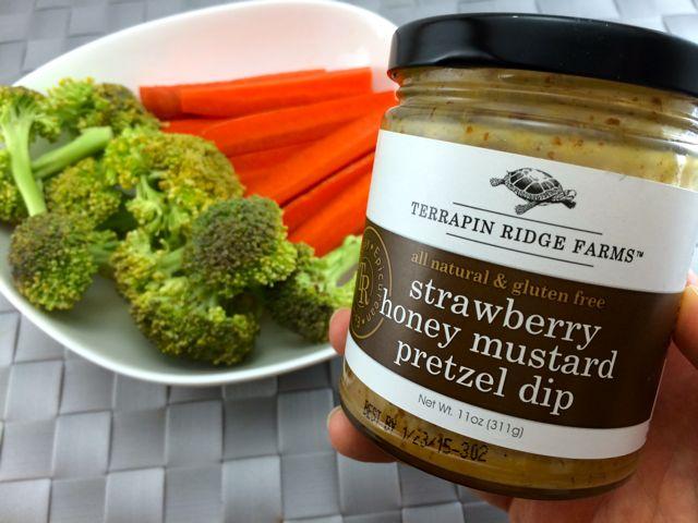 Veggies & Pretzel Mustard Dip