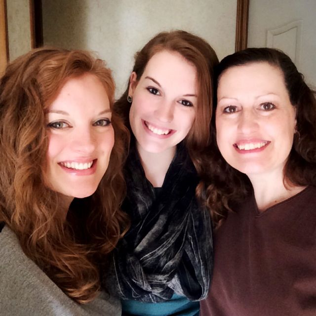 Me, Tori & Mom - Thanksgiving 2014