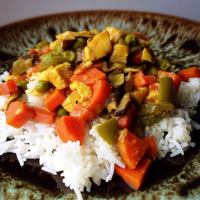Chicken Curry & Veggies over Rice