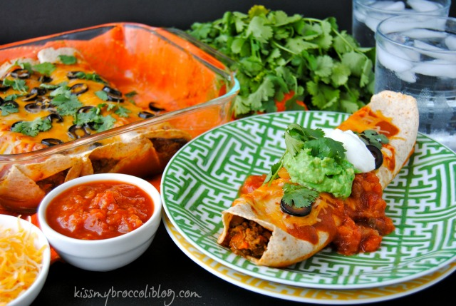 These Sneaky Veggie Enchiladas are stuffed with beef, mushrooms, and TWO hidden veggies and will have even the pickiest eaters asking for more! www.kissmybroccoliblog.com